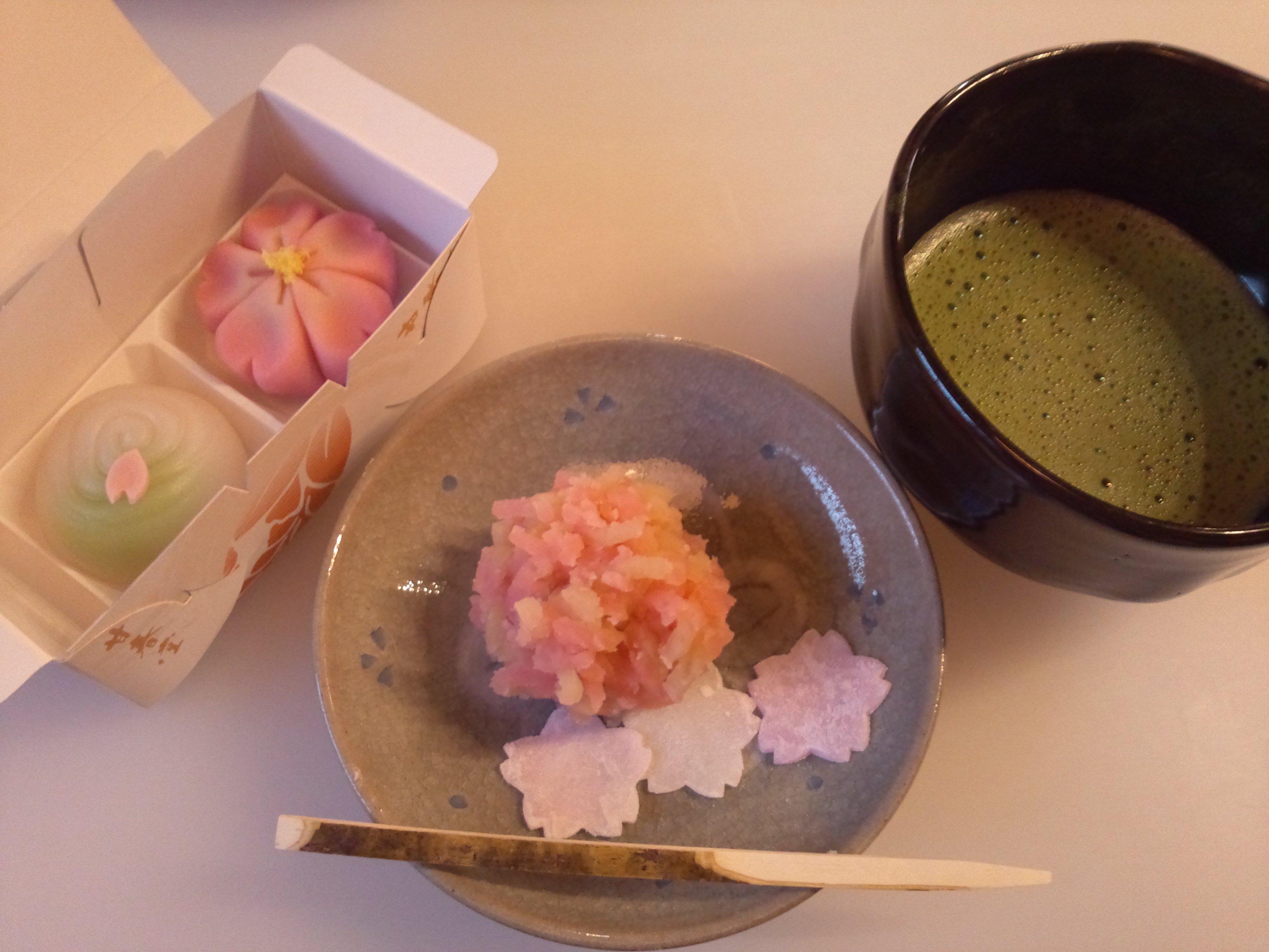 甘春堂の和菓子作り体験